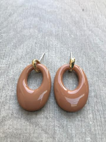 Oval cut out beige earring